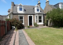 6 bedroom house at Taits Lane